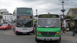 First bus and Western Greyhound bus in Cornwall