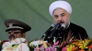 Hassan Rouhani addresses troops in Tehran (22 September 2013)