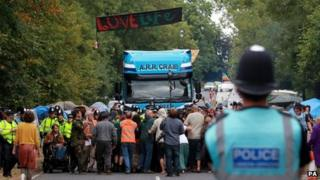 Anti-fracking protesters block lorry at Balcombe on 12 September 2013