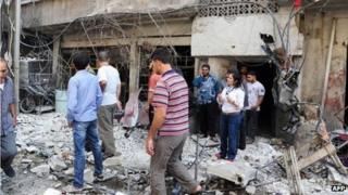 Scene of blast in Tadamon, Damascus (picture released by Syrian Arab News Agency (SANA) )