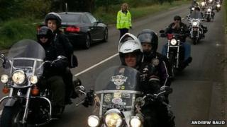 Riders en route