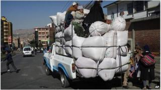 Vehicle loaded with coca leaves bags