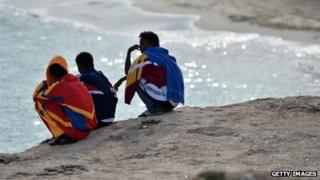 Migrants on Lampedusa, survivors of 4 October wreck