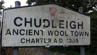Damaged Chudleigh sign