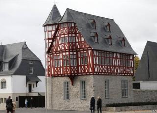 Residence of Limburg Bishop Franz-Peter Tebartz-van Elst, 17 Oct 13