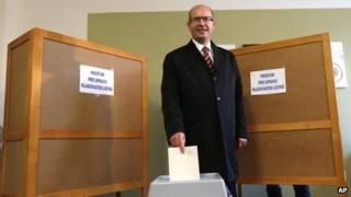 Chairman of Social Democratic party Bohuslav Sobotka cast his vote on 25 October