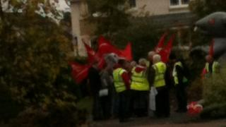 Unite members outside Ineos director's house