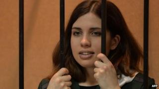 Jailed Pussy Riot member Nadezhda Tolokonnikova in the defendant's cage in court in Mordovia (26 April 2013)