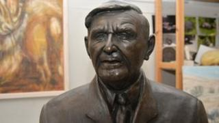 McLaren statue
