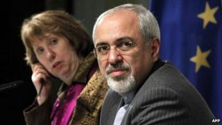 Mohammad Javad Zarif (right) and Catherine Ashton in Geneva (10 November 2013)