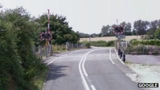 The crossing on Sandy Lane in Yarnton