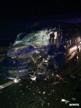 Van pic M40 crash