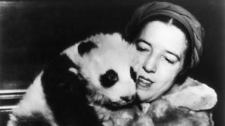 Ruth Harkness holding Su Lin