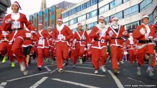Isle of Man Santa Dash 2012 - Photo Steve Babb