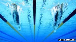 Swimmers under water