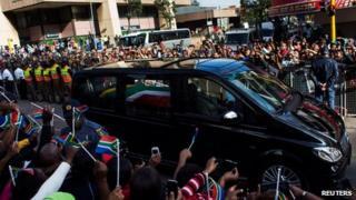 Nelson Mandela funeral cortege passes through Pretoria