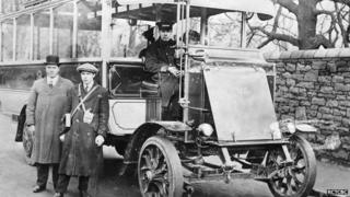 trolley bus