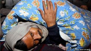 The Delhi Chief Minister prepares to spend the night on the street during his protest demanding action against police personnel for alleged dereliction of duty at Raisina Road, near Rail Bhavan in New Delhi.