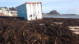 Container wreck in Jersey, 2 Feb 14