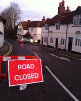 Sonning road sign