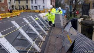 Bewdley flood defences erected