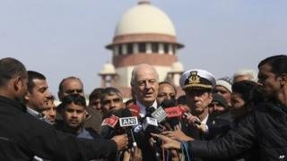 Italian envoy Staffan de Mistura after court hearing at Supreme Court, in New Delhi (10 Feb 2014)