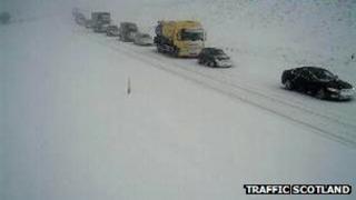 Traffic on snowbound A9