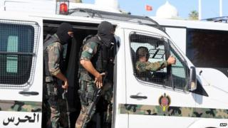 Forces from Tunisia's National Guard