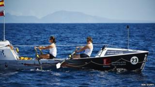 Atlantic rowers Lauren Morton (l) and Hannah Lawton