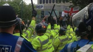EDL and police, Birmingham demo 2013