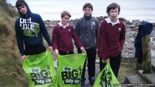 Students on a beach clean, Isle of Man