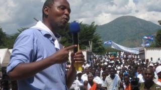 MSD leader Alexis Sinduhije addressing a crowd in Burundi on 11 April 2010