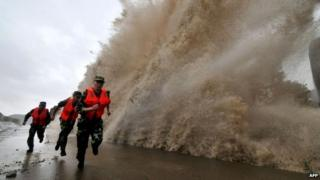 Storm surge from typhoon Fitow in China