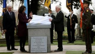 Theresa Villiers and Irish Arts Minister Jimmy Deenihan unveiled the memorial