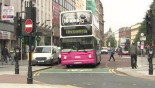 Buses are not meeting punctuality targets, according to the latest statistics