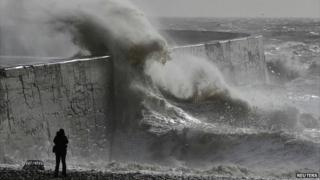Waves at Newhaven
