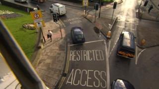 Lendal Bridge restricted access