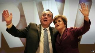 Ailig Salmond agus Nicola Sturgeon