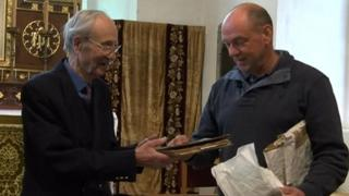 Colin Peal and Bob Watson with recipe book