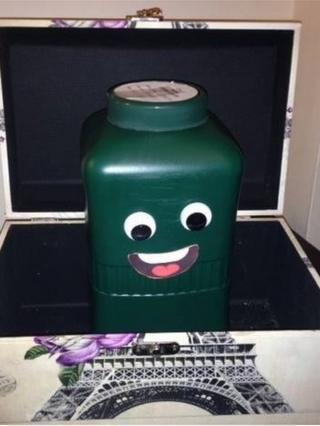 Kevin Dorothy's urn