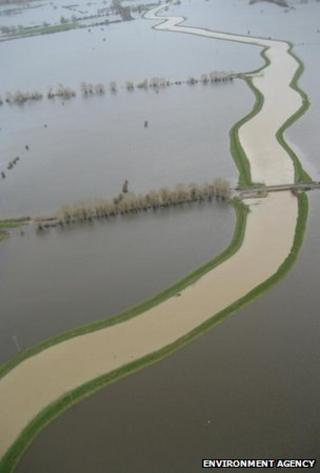 River Parrett meanders through flooded farmland on the Somerset Levels (Image: Environment Agency)