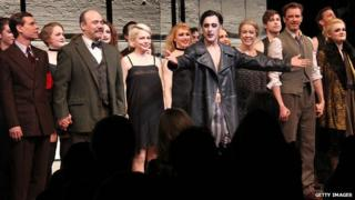 Michelle Williams and Alan Cumming (centre) with the rest of the Cabaret cast