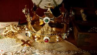 Richard III funeral crown