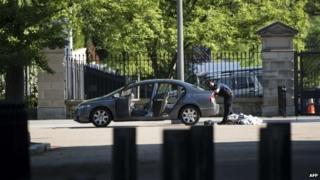 Car searched on Pennsylvania Avenue