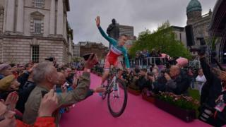 The Giro d'Italia's 22 competing teams are introduced during the opening ceremony