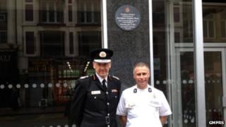 Plaque in memory of Firefighter Stephen Hunt