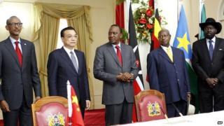 from left: Rwandan President Paul Kagame; Chinese Premier Li Keqiang; Kenyan President Uhuru Kenyatta; Ugandan President Yoweri Museveni; and South Sudan President Salva Kiir after signing agreement on railway construction in Nairobi 11/05/2014