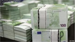 Blocks of 100 euro notes