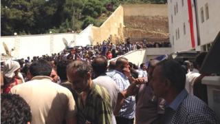 Syrians queue to vote in Beirut (29/05/14)
