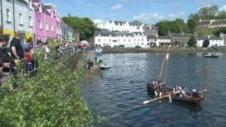 Rowers arriving at Portree